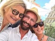 Journalistin und Bloggerin Hedi Grager, Promi-Friseur Dieter Ferschinger und Sylvia Baumhackl bei der Eröffnung des Cuisino Gastgartens (Foto privat)