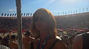 Beachtvolleyball WM 2017 in Wien. Auch die Grazer Fashionista Elisabeth Böck ließ sich die gute Stimmung nicht entgehen (Foto Hedi Grager)