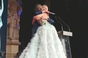 Uschi Fellner gratuliert Eva Poleschinski bei der LOOK!-Gala (Foto KatharinaSchiffl)