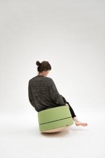 Die international erfolgreiche Designerin Anastasija Lesjak entwickelte eine modulare Büromöbelkollektion für Lande sowie eine Sitzmöbel-Serie und Akustik-Licht-Elemente für BuzziSpace. (Foto BuzziSpace)