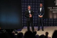 DUFTSTARS Gala 2021: Gewinner Ultra Selective Damen - Chanel GF Harald Pavlas & Laudator Roman Kariolou. (Foto Philipp Lipiarski)