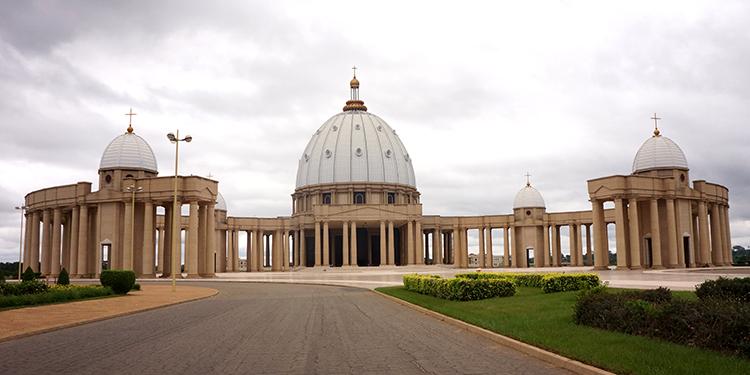 Yamoussoukro - Basilique Notre Dame de la Paix