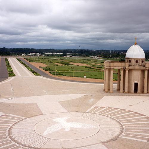 Yamoussoukro - Basilique - Esplanade