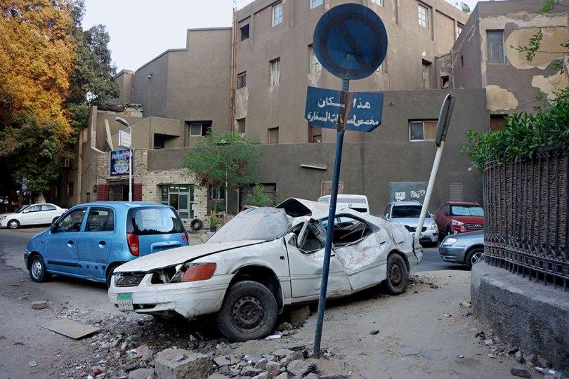 Le Caire _ Épave de voiture