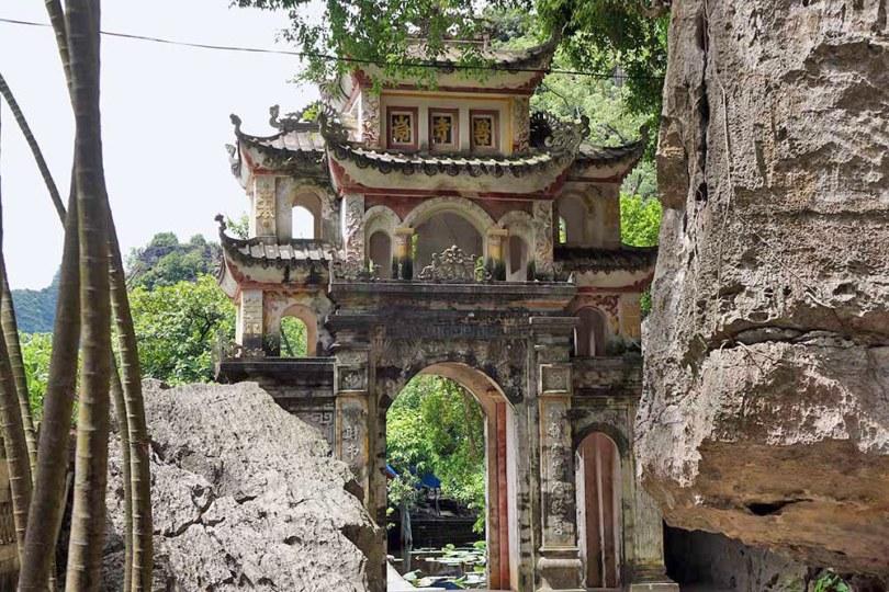 Tam Coc - Bich Dong Pagoda