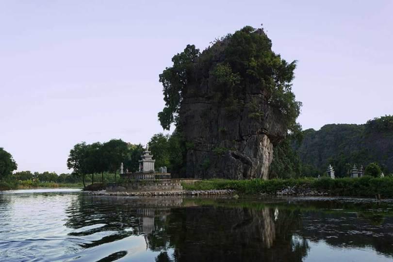 Tam Coc - River