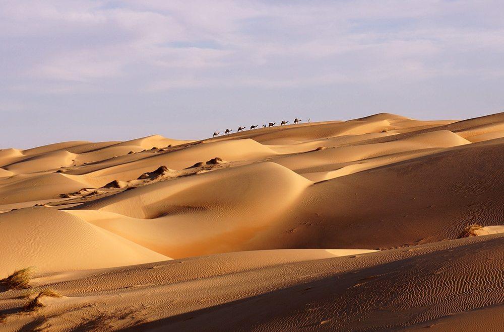 Des ères infinies de sables et de vents