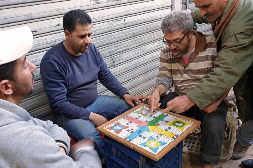 Maroc - Tanger - Joueurs de Parcheesi