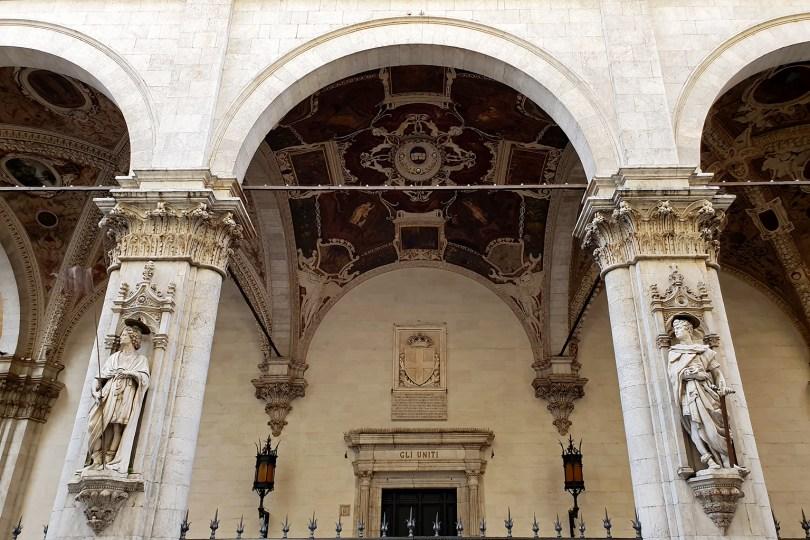 Loggia della Mercanzia (ancien tribunal de commerce et lieu de négociation entre marchands)