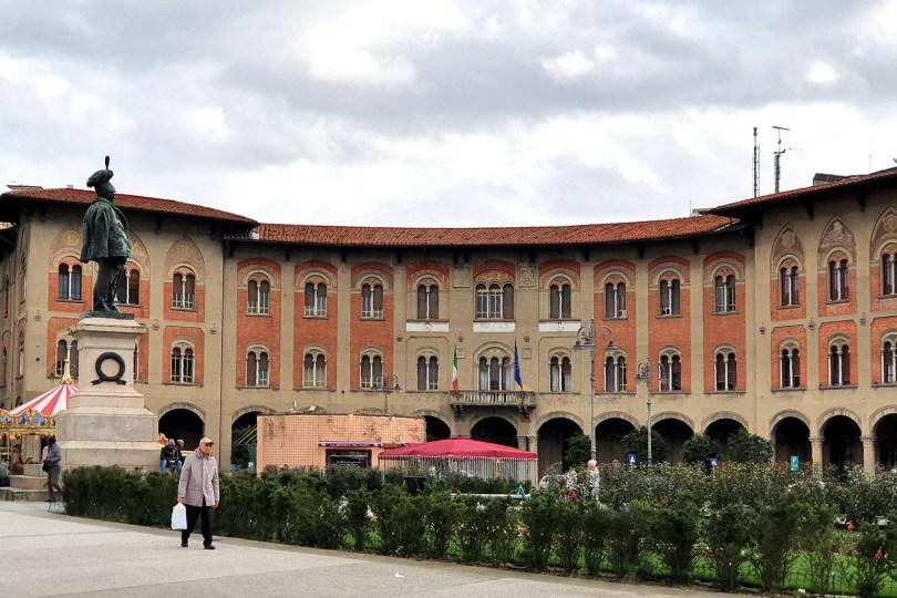 Pise - Italie-: Poste centrale / Piazza Vittorio Emanuele