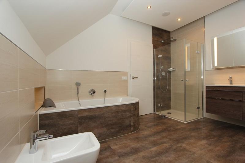 Fliesen Wohnzimmer Grau Holzoptik