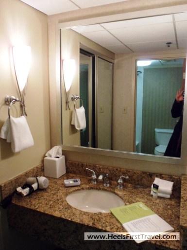Four Points Charlotte Suite Bathroom