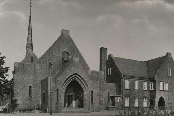 Bron: Rijckheyt.nl   Beersdalweg, St Antonius van Padua kerk in Zeswegen