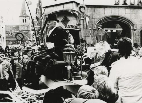 Bron: Rijckheyt.nl | Intocht Sinterklaas Dautzenbergstraat (1973)