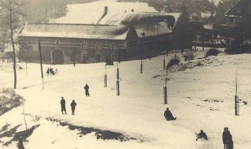 Bron: Rijckheyt.nl | Caumermolenweg (1942). Op de achtergrond hoeve Molenberg (patronaat).