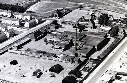 Bron: Rijckheyt.nl | Luchtfoto van het Openbaar Slachthuis (21-5-1960)