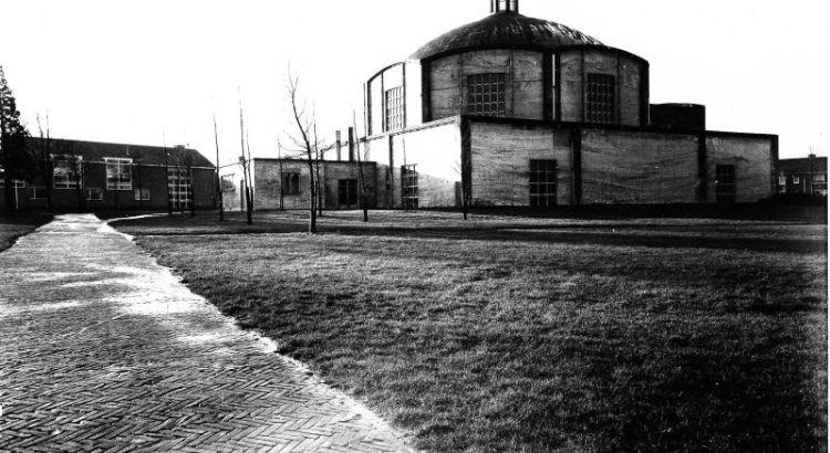 Bron: Rijckheyt.nl | Bekkerveld (3-1-1961). Op de achtergrond de St.Annakerk.