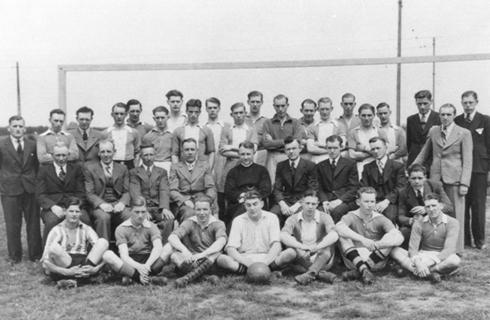 Spelers en bestuur V.V.Passart rond 1950