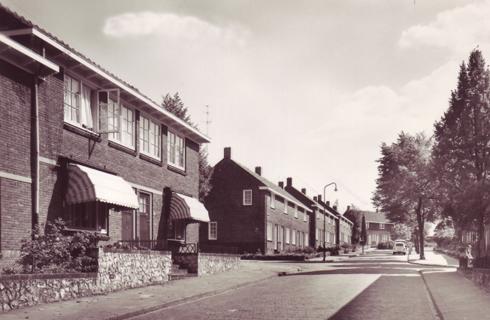 Bron: Rijckheyt.nl | Tijdsbeeld van Meezenbroek in 1948 (Heemskerkstraat)