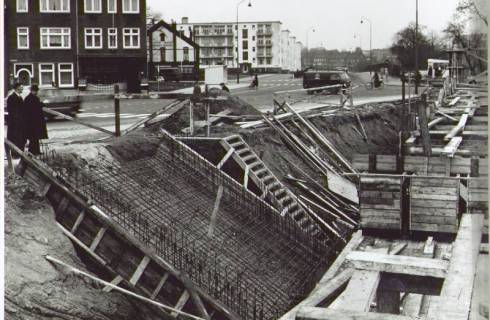 Bron: Rijckheyt.nl | Willemstraat. Aanleg van de voetgangerstunnel onder de spoorlijn Heerlen-Kerkrade.