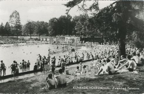 Bron: Rijckheyt.nl | Zwembad Terworm in of voor 1970.