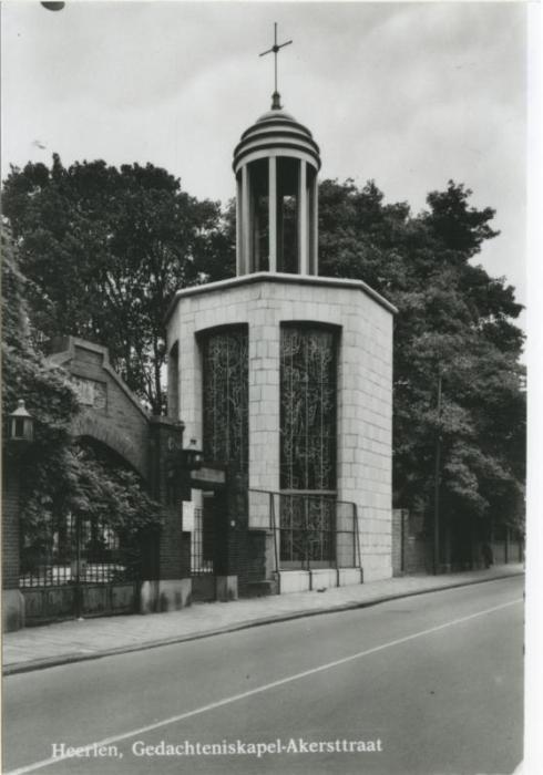 Bron: Rijckheyt.nl | Gedachteniskapel bij de Openbare Begraafplaats 1965.