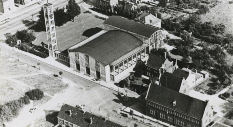 Bron: Rijckheyt.nl | Luchtfoto van de St.Jozefkerk en een gedeelte van Heerlerbaan.