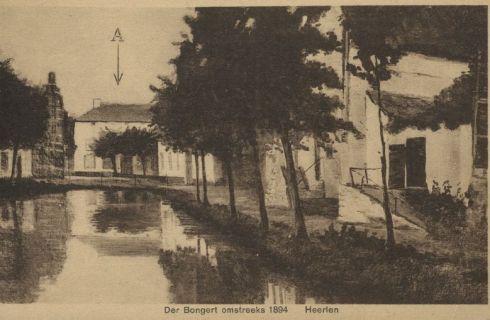 Bron: Rijckheyt.nl | ca. 1894 Gedeeltelijk gedempte Bongerd, naar een schilderij van Karel Smits. Links de apotheek en de woning van burgemeester Charles de Hesselle. Op de achtergrond huis De Luijff .