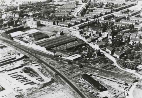 Bron: Rijckheyt.nl | Luchtfoto van de Glasmaatschappij op de Kissel (1952).