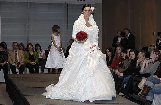 Photographie und Grafikdesign  Brautmodenschau  das