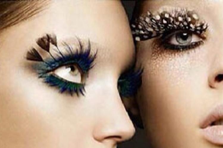 Embellished lashes / www.heidiandcoco.com