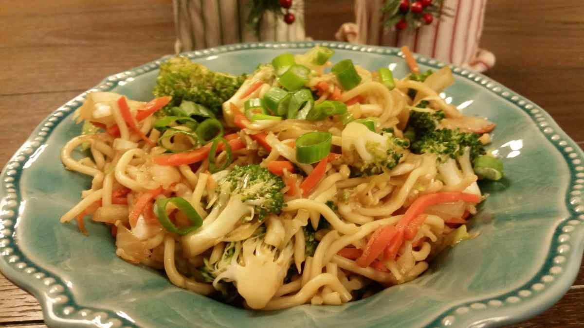 Loaded Vegetable Chow Mein
