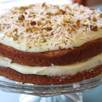 4 Step Creamy Pistachio and Coconut Pudding Cake