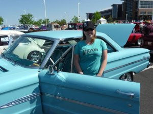 the Mayor in a blue car at Colorado Nationals