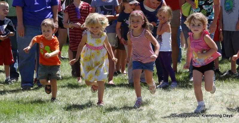 Kids racing at Kremmling Days in Kremmling Colorado. HeidiTown.com
