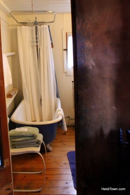experience the magic of avalanche ranch. Cabin #8, bathroom. HeidiTown.com