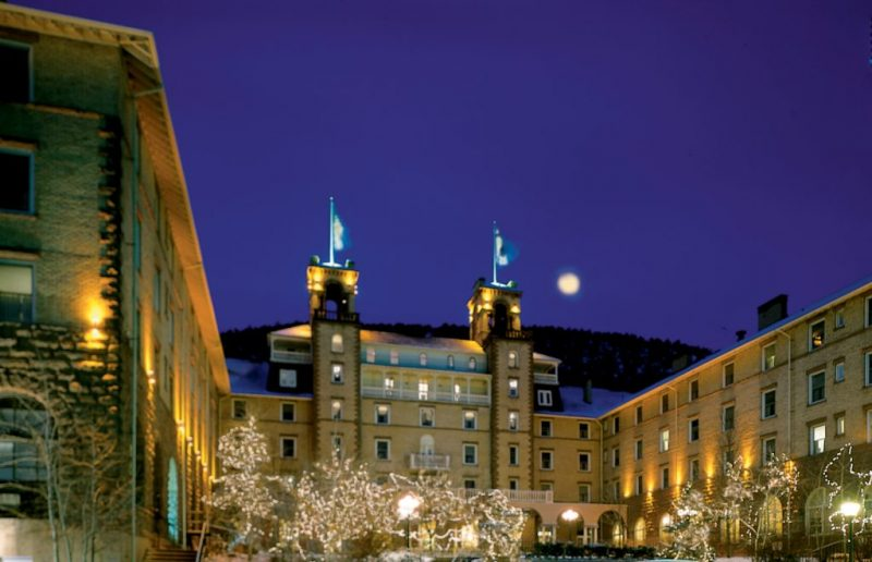 A Colorado Mountain Town for the Holidays. The Hotel Colorado