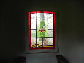 Glas in loodraam, rechterzijde (het lam)