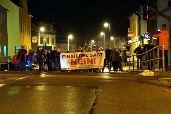Demo Einsiedel 02.03.2016 in Höhe Bahnübergang