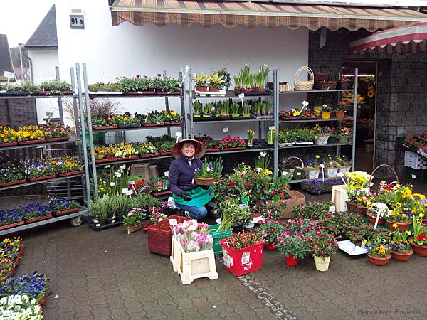 Vietnamesische Blumenverkäuferin