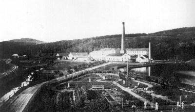 Gärtnerei Weniger mit papierfabrik im HIntergrund