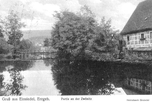 Riedelwehr und Langhäusel in der Fabrikstraße in Einsiedel