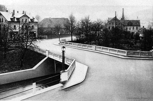 Untere Brücke kurz nach der Fertigstellung