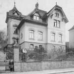 Um 1908.