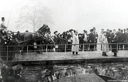 Der König auf der Kaskadenbrücke