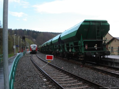 Güterzug im April 2005