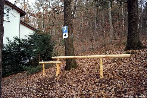 Waldklause Einsiedel: Anbindemöglichkeit für Pferde, Esel, Kamele, Lamas und ähnliches...