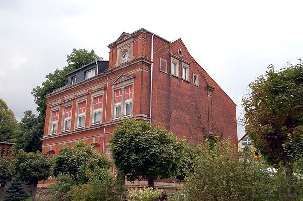 Die ehemalige Berbisdorfer Schule am 20. August 2005.