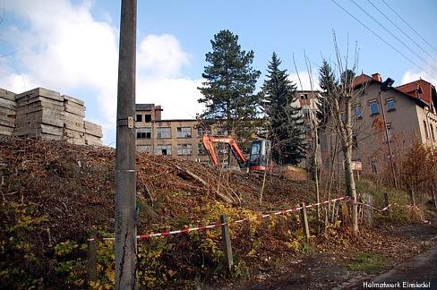 Minibagger in der Berggasse 9. Baubeginn?