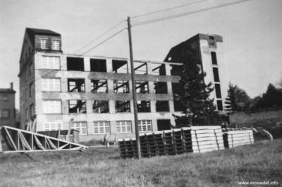 Baumaterial für den Dachstuhlneubau nach dem Brand 1959
